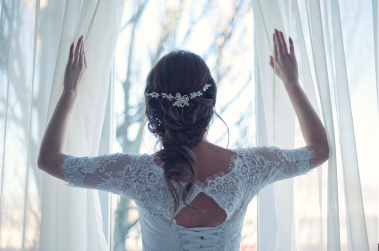 Hairlines and Necklines: Choosing Hairstyles that Work with Your Wedding Dress